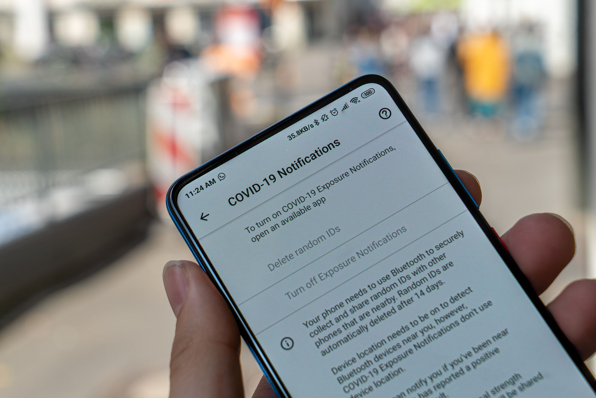 A COVID-19 notification message on a smartphone thanks to Beacon Technology.